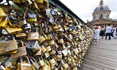 * paris-love-locks-guardian.jpg